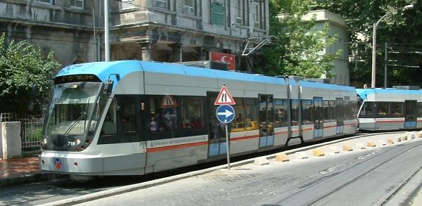 اضغط على الصورة لعرض أكبر.  الإسم:Istanbul_tram_RB1.jpg مشاهدات:88 الحجم:41.9 كيلوبايت الهوية:6603
