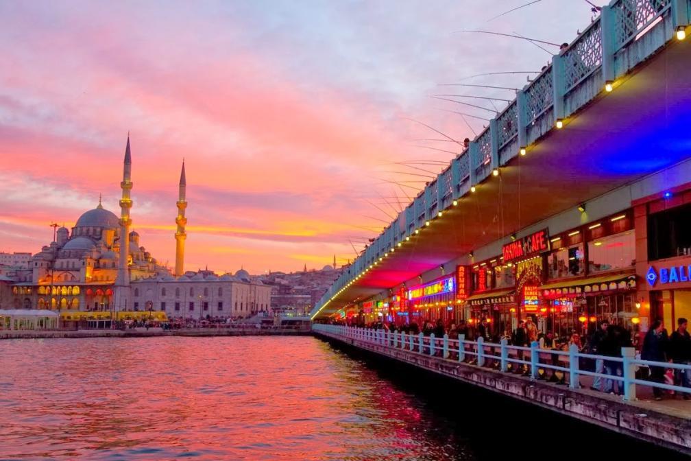 الاســـم:جسر-جالاتا-إسطنبول.jpg المشاهدات: 9017 الحجـــم:93.9 كيلوبايت